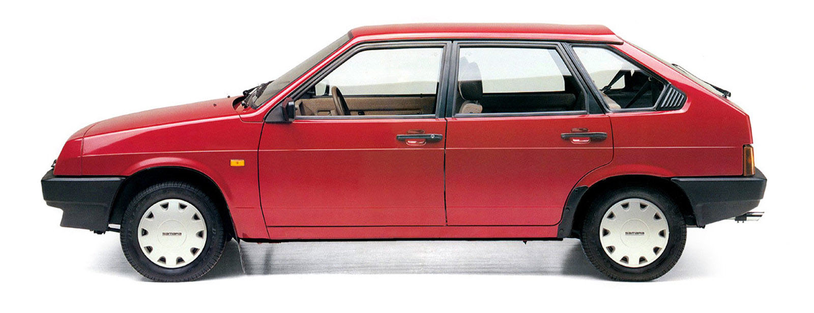 VAZ_2109_Hatchback%205%20door_1987